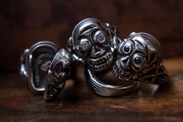 PEANUTS & Co. skull poison ring